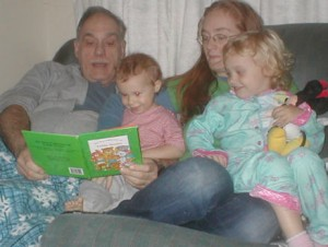Pop reading to Cor, Rhi, Chase smiles, small